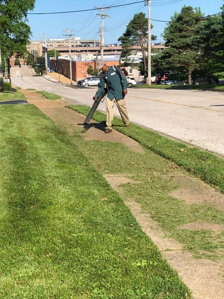 St. Charles, Missouri Lawn Mowing